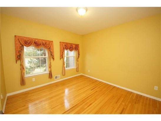 354 Shawn Place, North Brunswick, NJ - USA (photo 5)