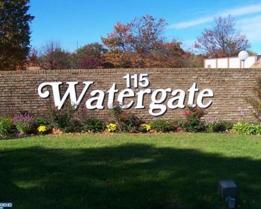 115 E Kings Highway 449, Maple Shade, NJ - USA (photo 1)