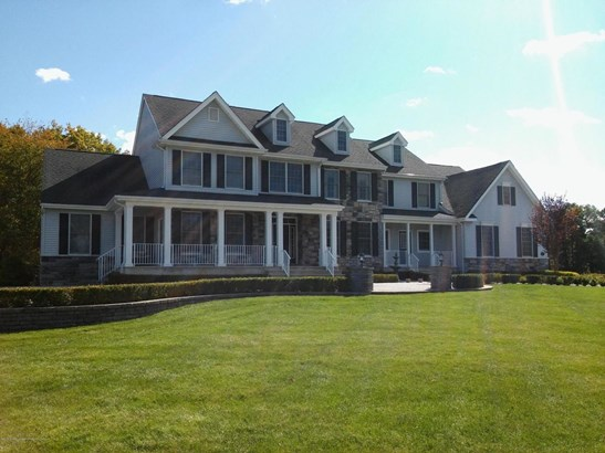 6 Winding Woods Way, Freehold, NJ - USA (photo 1)