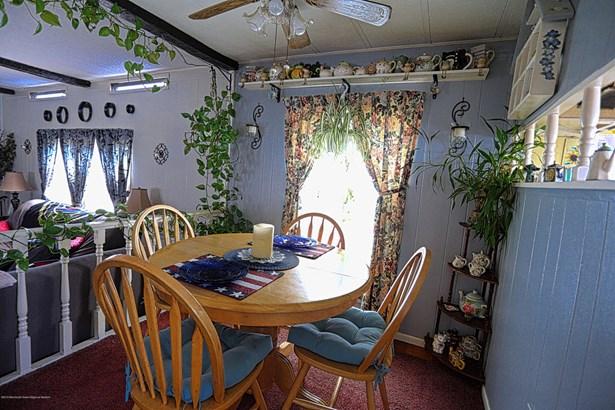 76 Locust Grove Grove, Hazlet, NJ - USA (photo 2)