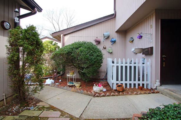 8 Auburn Court, Red Bank, NJ - USA (photo 2)