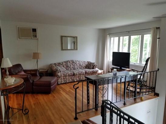 24 Mills Avenue, Port Monmouth, NJ - USA (photo 4)