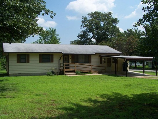Traditional, Single Family - Freestanding - Carl Junction, MO (photo 1)