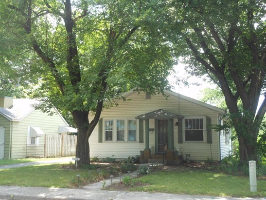 Single Family - Freestanding, Bungalow - Joplin, MO