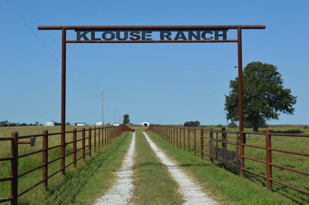 Ranch, Farm - Wentworth, MO (photo 3)