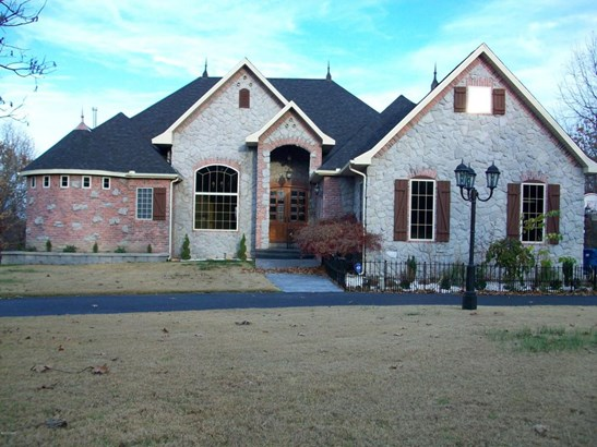 Single Family - Freestanding, French Provincial - Loma Linda, MO