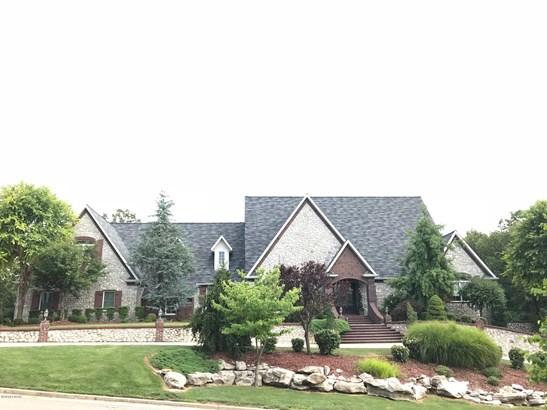 Single Family - Freestanding, French Provincial - Joplin, MO