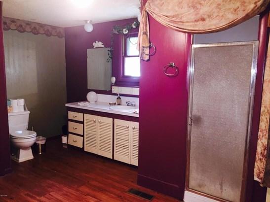 Cabin, Single Family - Freestanding - Lamar, MO (photo 5)
