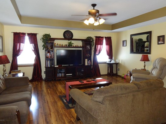 Ranch,Traditional, Single Family - Freestanding - Carthage, MO (photo 2)