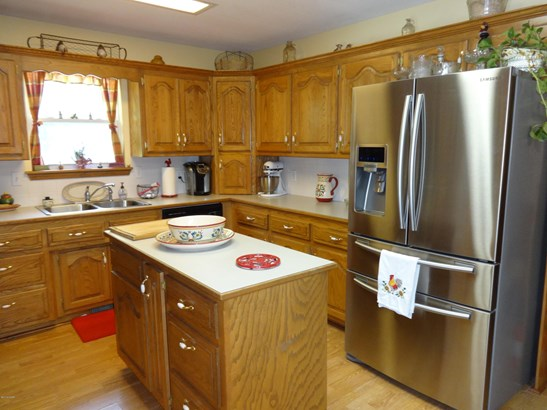 Ranch,Traditional, Single Family - Freestanding - Carthage, MO (photo 4)