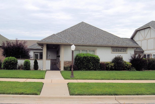 Patio Home, Single Family - Freestanding - Carthage, MO (photo 1)