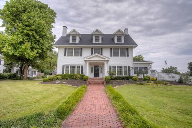 Colonial, Single Family - Freestanding - Joplin, MO (photo 1)