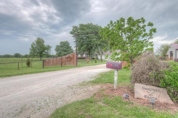 Ranch, Single Family - Freestanding - Carthage, MO (photo 4)