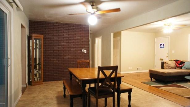Ranch, Single Family - Freestanding - Carthage, MO (photo 5)