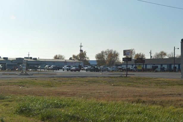 Commercial - Carthage, MO (photo 5)