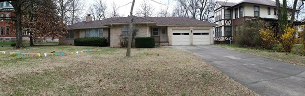 Ranch, Single Family - Freestanding - Carthage, MO (photo 1)