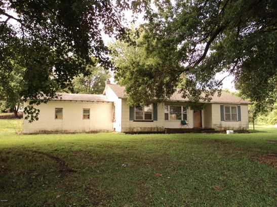 Single Story, Manuf Homes - Carthage, MO (photo 2)