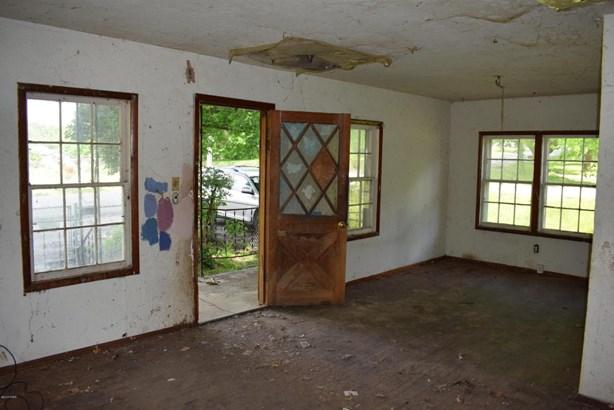 Traditional, Single Family - Freestanding - Galena, KS (photo 5)