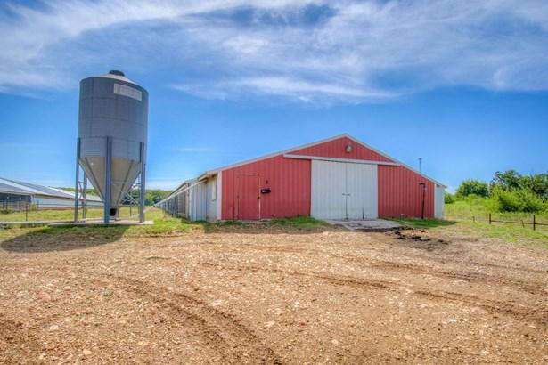 Farm, Single Wide - Seneca, MO (photo 2)