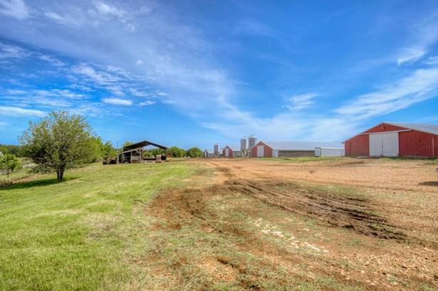 Farm, Single Wide - Seneca, MO (photo 3)