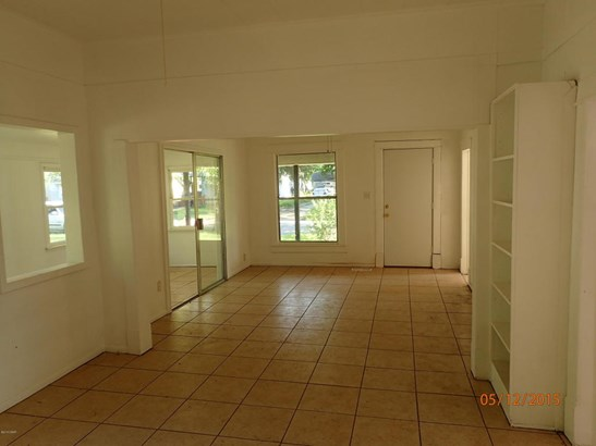 Single Family - Freestanding, Bungalow - Pittsburg, KS (photo 3)
