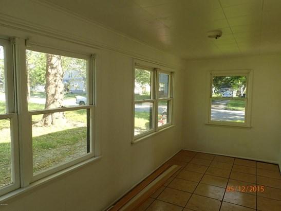 Single Family - Freestanding, Bungalow - Pittsburg, KS (photo 5)