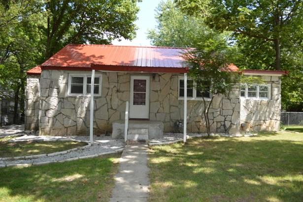 Single Family - Freestanding, Bungalow - Carthage, MO (photo 1)