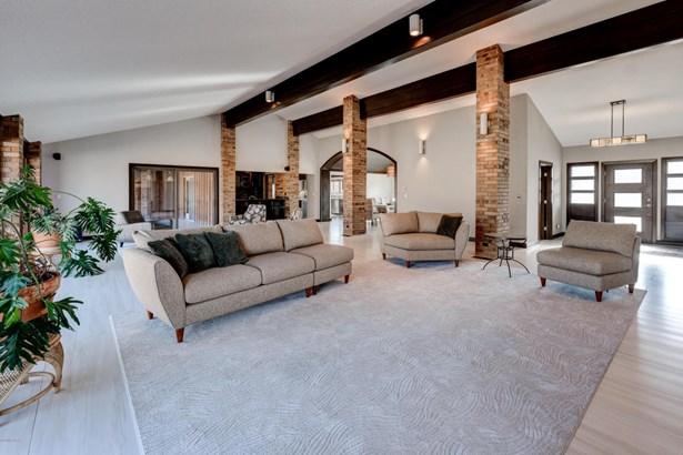 Ranch, Single Family - Freestanding - Loma Linda, MO (photo 3)