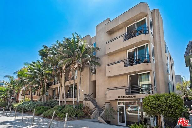 Condominium, Contemporary - Marina Del Rey, CA