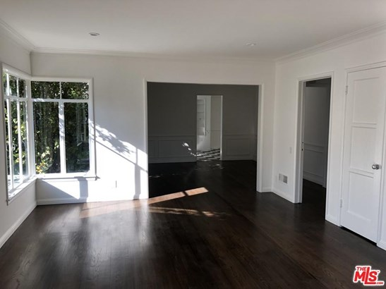 Condominium, Garden Condo,Traditional - Beverly Hills, CA (photo 3)