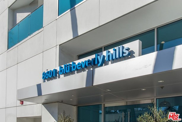 Condominium, High or Mid-Rise Condo,Modern - Beverly Hills, CA (photo 2)