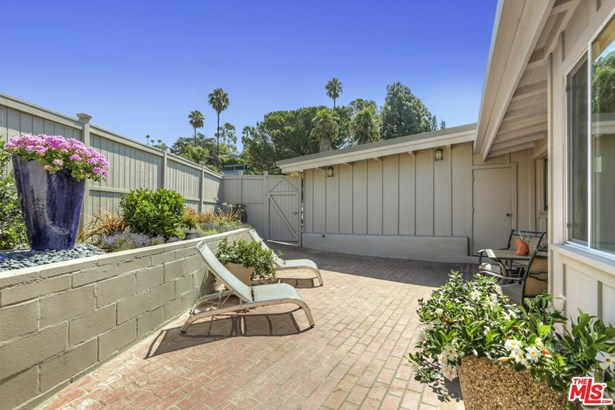 Mid Century, Single Family - Los Angeles (City), CA (photo 3)