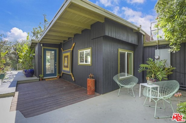 Post Modern, Single Family - Los Angeles (City), CA