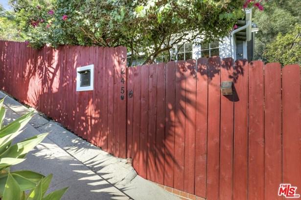 Bungalow, Single Family - Los Angeles (City), CA (photo 2)