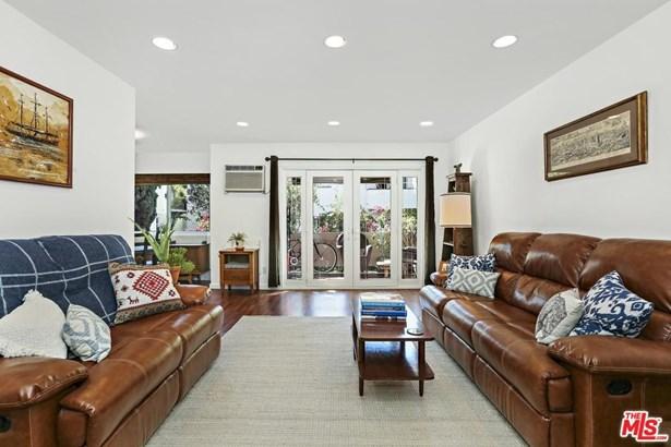 Condominium, Mid Century,Low Rise - Los Angeles (City), CA (photo 1)