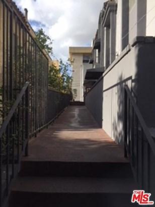 Low Rise,Mediterranean, Condominium - Los Angeles (City), CA (photo 3)