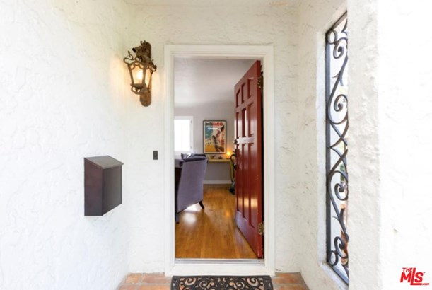 Condominium, Spanish - West Hollywood, CA (photo 5)