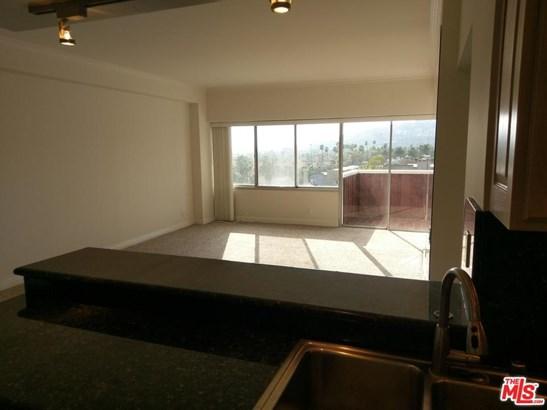 High or Mid-Rise Condo,Contemporary, Condominium - Los Angeles (City), CA (photo 5)