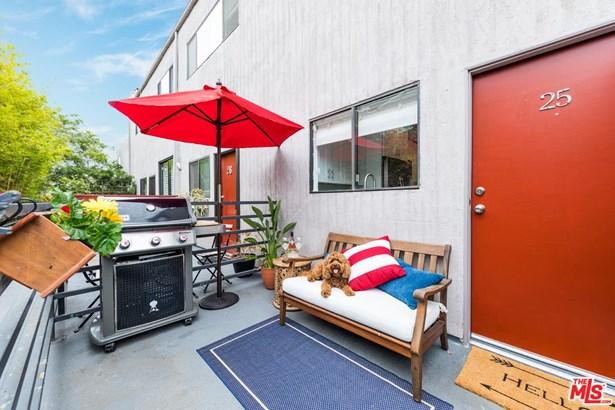 Condominium, Contemporary - Venice, CA (photo 2)