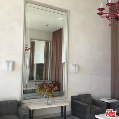 Condominium, High or Mid-Rise Condo - Santa Monica, CA (photo 5)