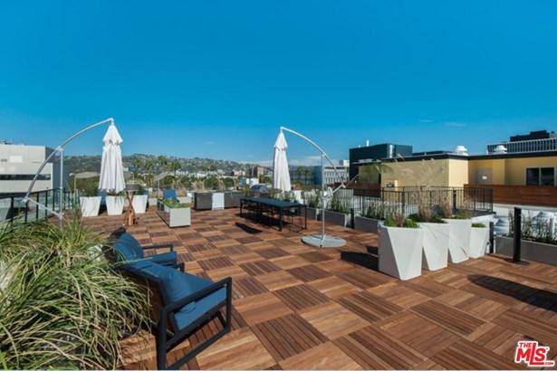 Low Rise, Condominium - Beverly Hills, CA (photo 4)