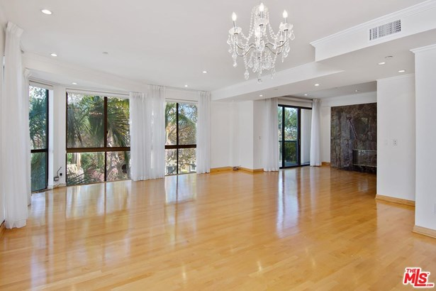 Condominium, Contemporary - Beverly Hills, CA (photo 2)