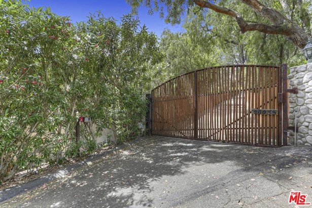 Contemporary, Single Family - Calabasas, CA (photo 3)