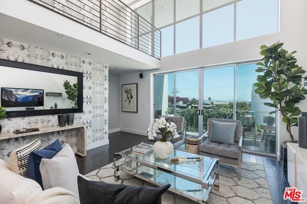Condominium, Modern - West Hollywood, CA