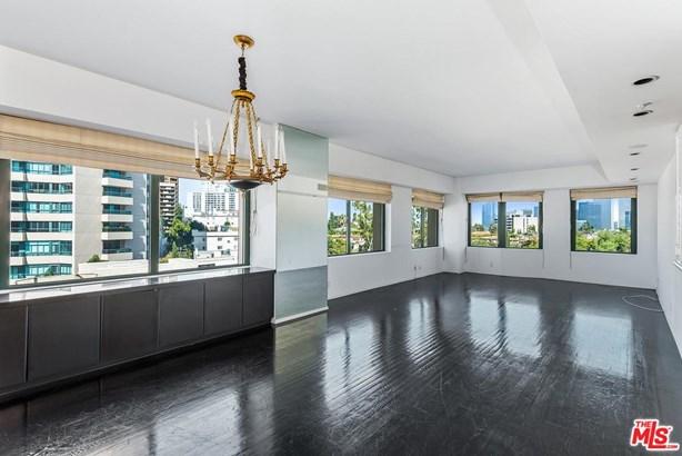 Condominium, High or Mid-Rise Condo - Los Angeles (City), CA