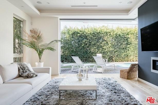 Residential Lease, Modern - Los Angeles, CA