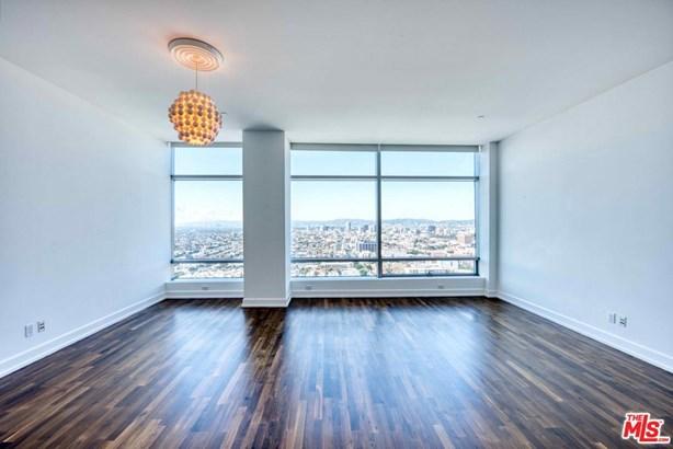 Condominium, Modern - Los Angeles (City), CA