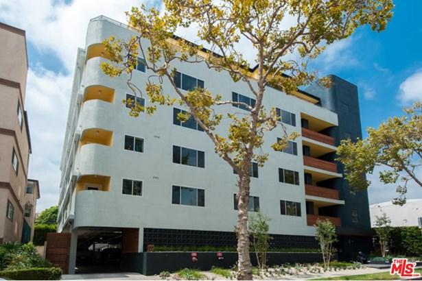 Low Rise, Condominium - Beverly Hills, CA (photo 1)