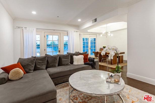 Condominium, Chalet - Los Angeles (City), CA