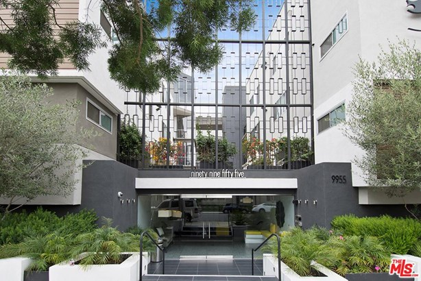 Condominium, Low Rise,Modern - Beverly Hills, CA (photo 1)